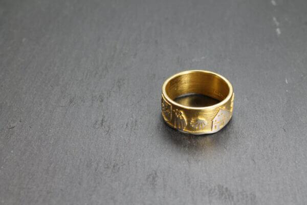 Breckerfeld Ring in vergoldet mit Wapen Jakobsmuschel