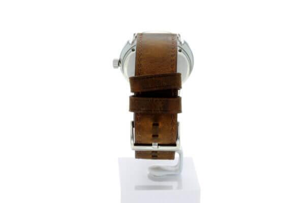 Hagen Uhr HagenUhr43LBB mit Edelstahlgehäuse und braunem Naturlederarmband - Armband von hinten mit den beiden Lederriemen