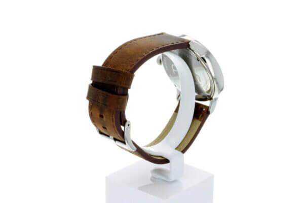 Hagen Uhr HagenUhr43LBB mit Edelstahlgehäuse und braunem Naturlederarmband von seitliche Ansicht, so das das Armband schön zu sehen ist