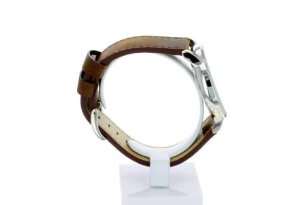 Hagen Uhr HagenUhr43LBB mit Edelstahlgehäuse und braunem Naturlederarmband - Seitliche Totalansicht